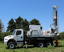 TEREX Auger Drills 650 Series - Side view Auger in drilling position